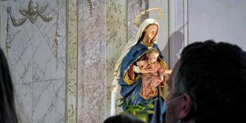 Z Marijo, Jožefom in svetniki skozi šmarnični čas